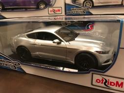 Maisto 1:18 Scale Special Edition Diecast Model - 2015 Ford
