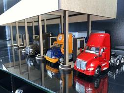 1/64 Fuel Island Gas and Diesel Station Truck Stop for Cars