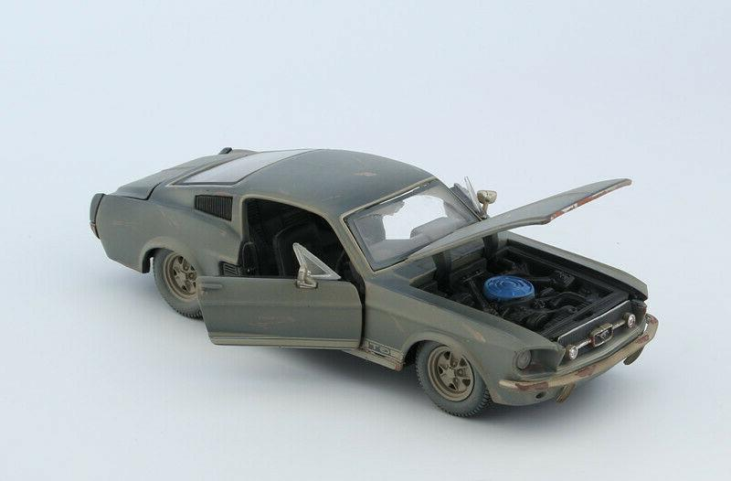 Maisto 1:24 Alloy FRIENDS For 1967