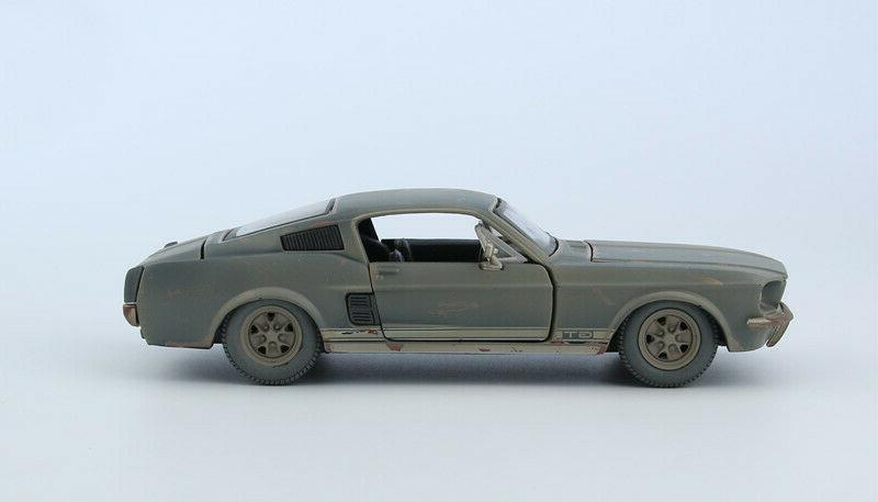 Maisto 1:24 Diecast Alloy FRIENDS For Ford MUSTANG GT