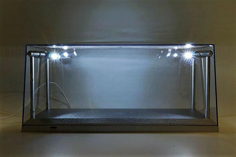 Collectible Case w. LED lights 1/18 car