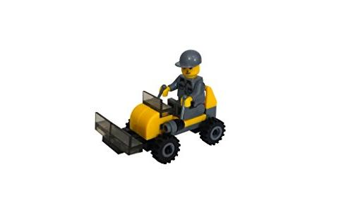 Building Minifigures for Toppers, Build Fun!
