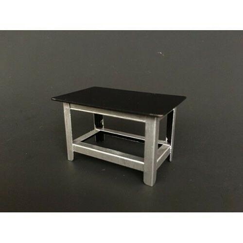 METAL WORK BENCH FOR 1:24 CAR MODELS BY AMERICAN DIORAMA 775