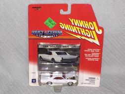 JOHNNY LIGHTNING MUSCLE CARS 1967 OLDS CUTLASS 442 White Die