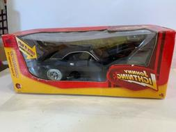 Johnny Lightning Muscle Cars Die-Cast  1:24 1970 Dodge Chall