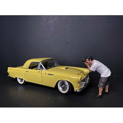 """WEEKEND CAR SHOW"" FIGURINE IV FOR 1/18 SCALE MODELS BY AMER"